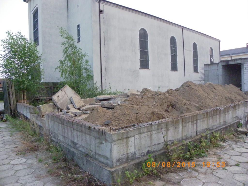 Prace wyburzeniowe przy kościele Podwyższenia Krzyża w Gdyni Wit 073