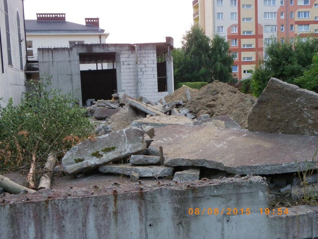 Prace wyburzeniowe przy kościele Podwyższenia Krzyża w Gdyni Wit 075