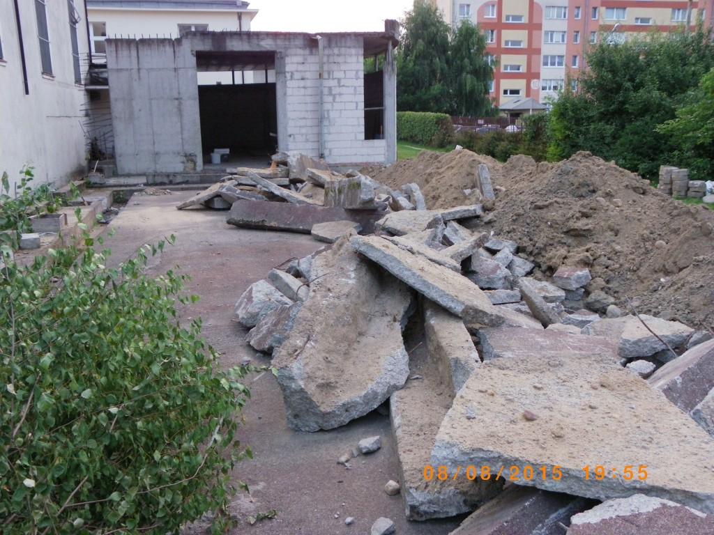 Prace wyburzeniowe przy kościele Podwyższenia Krzyża w Gdyni Wit 078