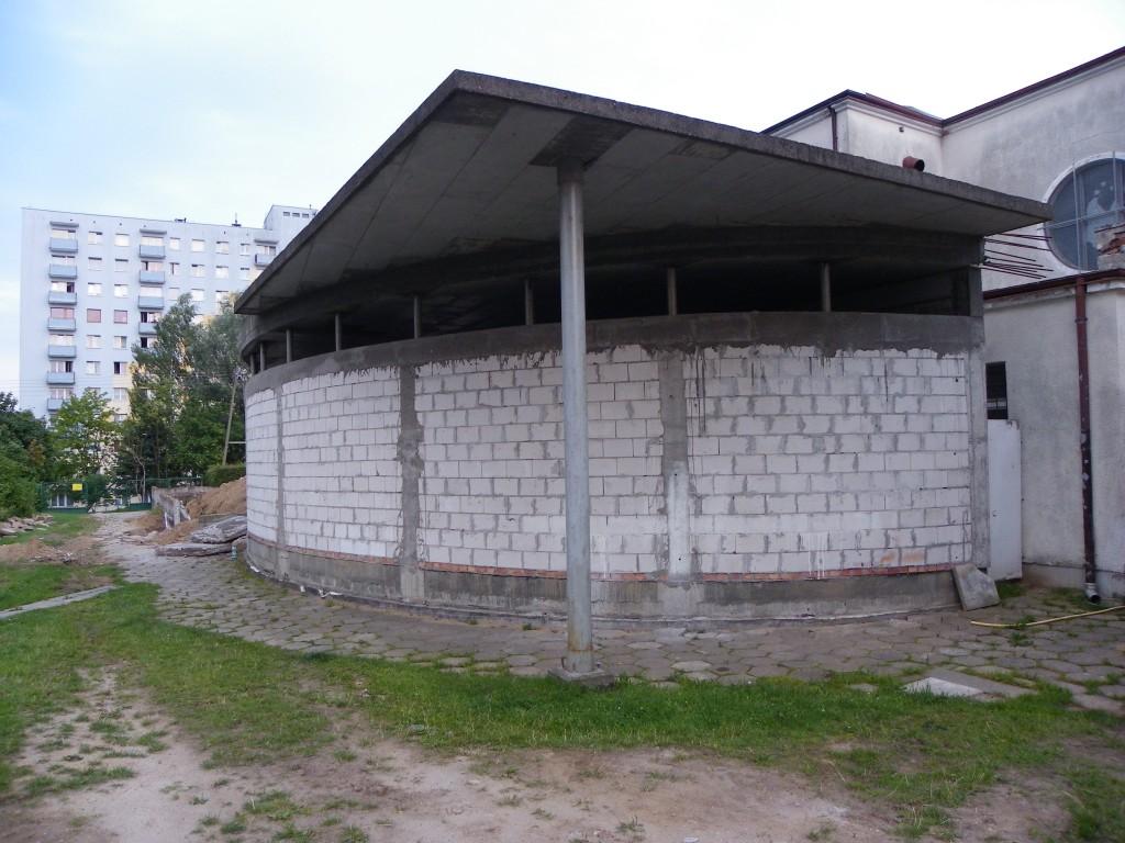 Prace wyburzeniowe przy kościele Podwyższenia Krzyża w Gdyni Wit 083